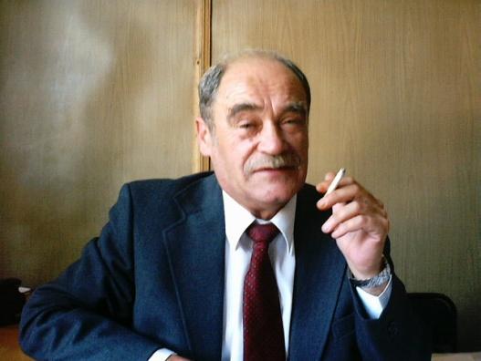 К.т.н., с.н.с., Качур В.С., директор УИЦиТТ (1997-2004), один из первых сотрудников кафедры